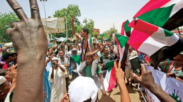 باحثة سويدية تنصح السودانيين بتبني سياسات تحمي الانتقال الديمقراطي