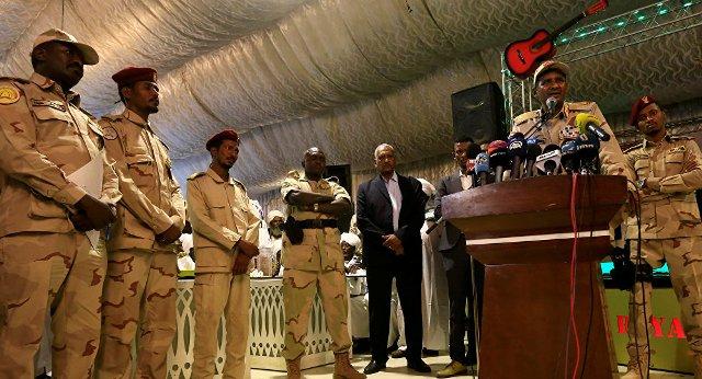 باحث سوداني: المجلس العسكري يبحث عن حليف للبقاء في السلطة