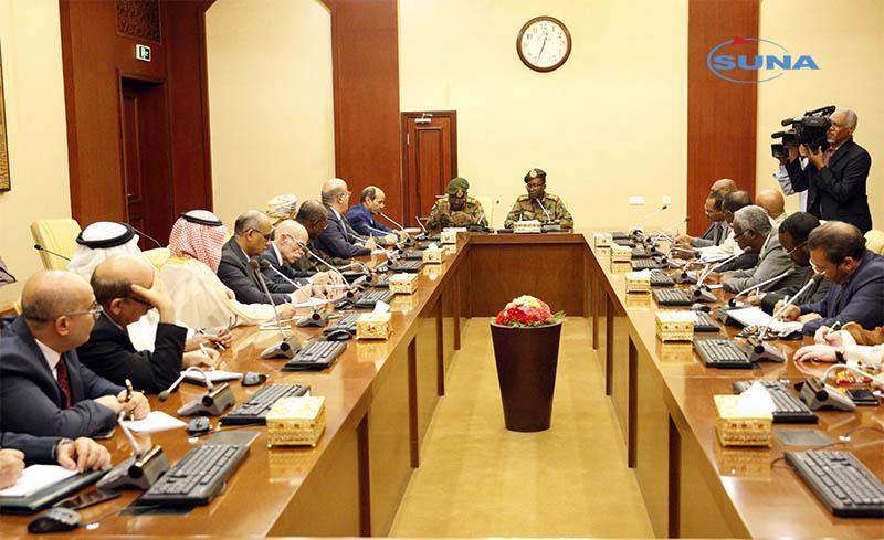 المجلس العسكري يطلع البعثات الدبلوماسية العربية على راهن البلاد