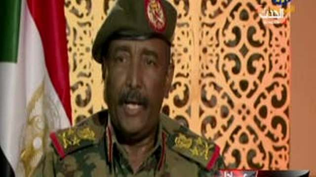 البرهان يتلقى دعوة من أفورقي لزيارة إريتريا