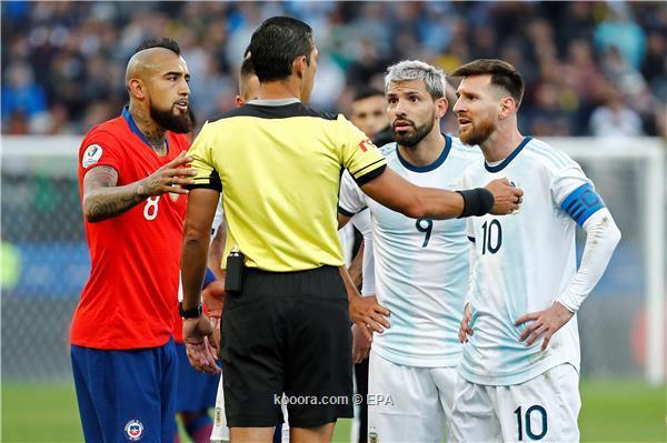 حكم لقاء الأرجنتين وتشيلي يبرر طرد ميسي