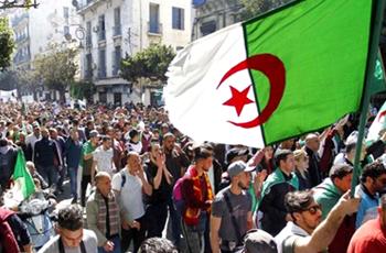 حزب جزائري يدعو جيش بلاده للتأسي بالتجربة السودانية