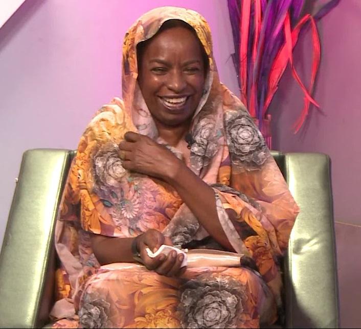 بالفيديو:ناشطة تعتبر الحديث عن النسب الى الرسول من مشاكل الهوية السودانية وتطالب برفد كل مذيعة تغير لون بشرتها