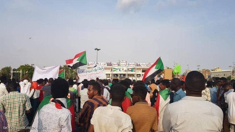 الأفراح تعم السودان.. الخرطوم ترقص فرحاً بالاتفاق التاريخي
