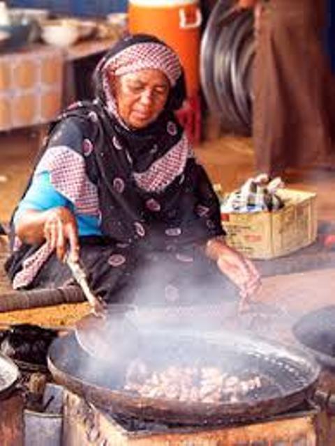 احتراق امرأة أثناء إعدادها (شية) العيد