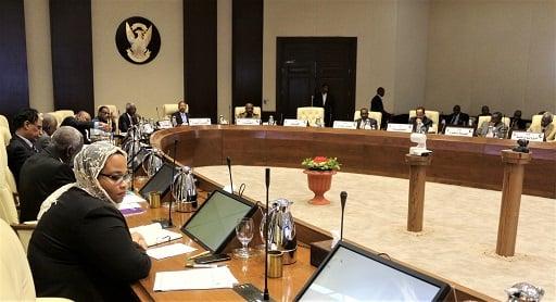 تفاصيل أول اجتماع لمجلس الوزراء