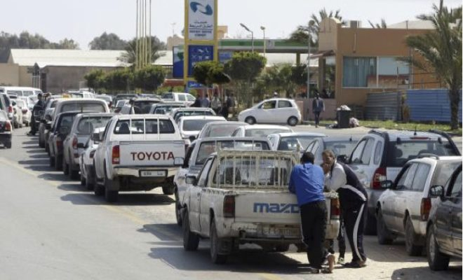 أزمة الوقود .. عناصر الوطني في دائرة الإتهام