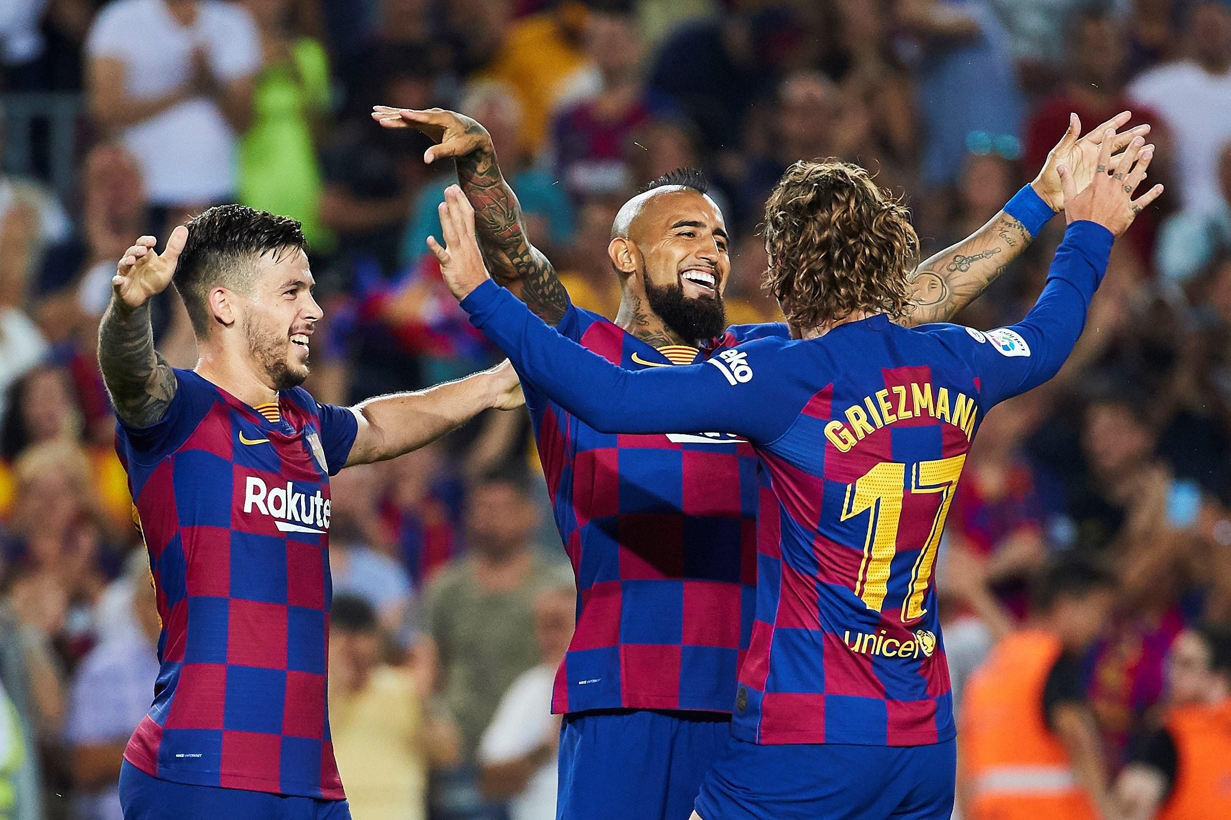 دون عناء.. برشلونة في الطريق لتجديد عقد بيريز بلا مفاوضات