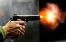نظامي يطلق النار على طالبة ووفاتها بسنار