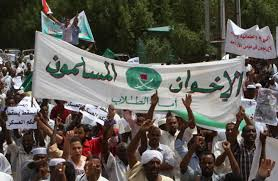 """ثورة مضادة تطال الخدمات.. إخوان السودان """"يحاربون الشعب"""""""