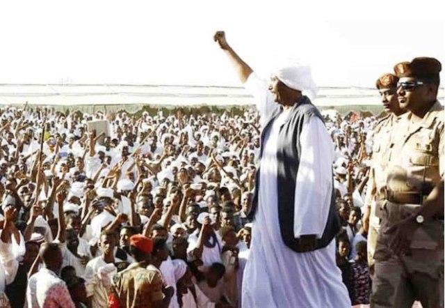 """""""البرهان"""" يتعهد بمحاربة الفساد والمفسدين والمحسوبية في الخدمات"""