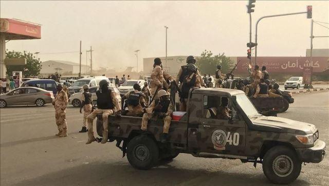 """الجيش يرفع درجة الاستعداد عشية النطق بالحكم على """"البشير"""""""