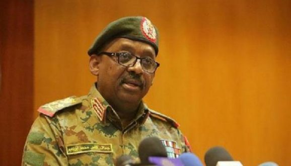 التشريح : ذبحة صدرية وراء وفاة وزير الدفاع