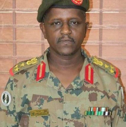الجيش السوداني يعلن عن وقوفه على مسافة واحدة من أشكال التعبير عشية مليونية الزحف الأخضر ويهيب بتوخي الحذر
