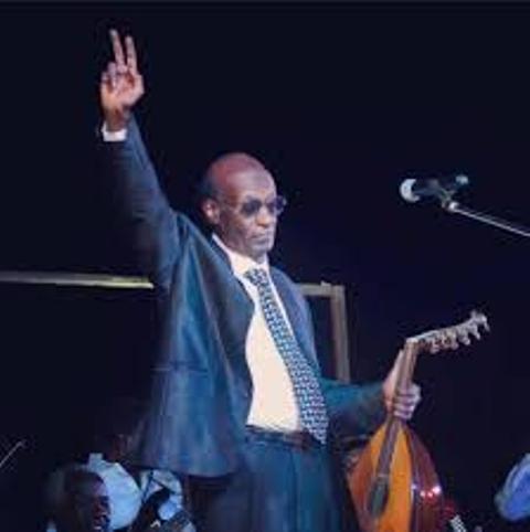 الموسيقار محمد الأمين يبعث برسالة للشعب السوداني من لندن