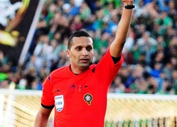 حكم مباراة الهلال أمام الأهلى يتحدث عن المواجهة