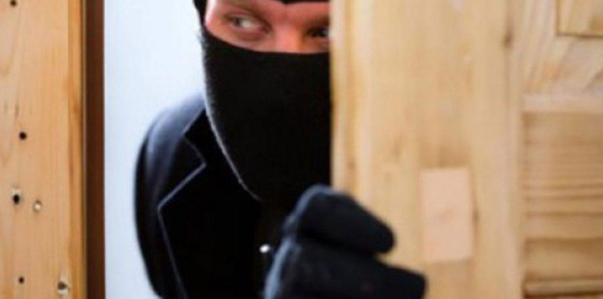 الإعتداء على محامي أثناء سرقة منزله