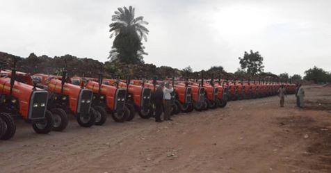 """""""الادخار """"يمول (٥٠) تراكتور لمزارعي الدمازين"""