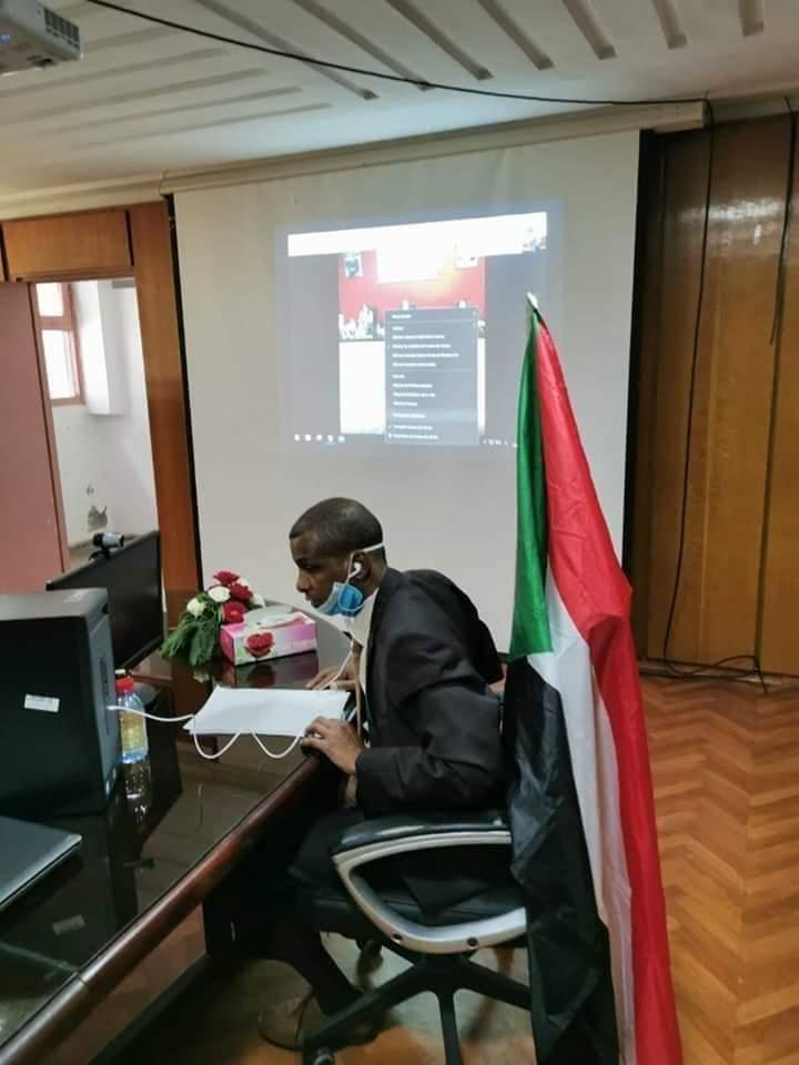 فى سابقة فريدة طالب سوداني يناقش دكتوراه عن بُعد بطريقة (برايل)