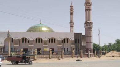 صورة المالية تسدد (38) مليون لمسجد الفاشر
