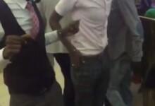 صورة شاهد بالفيديو: وصلة رقص بين شابين تثير ضجة على السوشيال ميديا